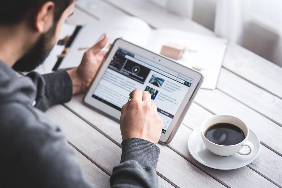 Pomysły na biznes w domu przez Internet i artykuły sponsorowane do pozycjonowania stron www