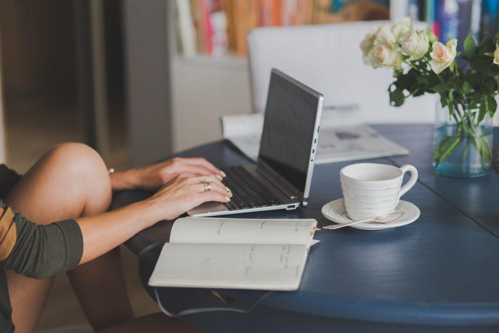 Prowadzenie bloga Cennik i dlaczego warto prowadzić bloga
