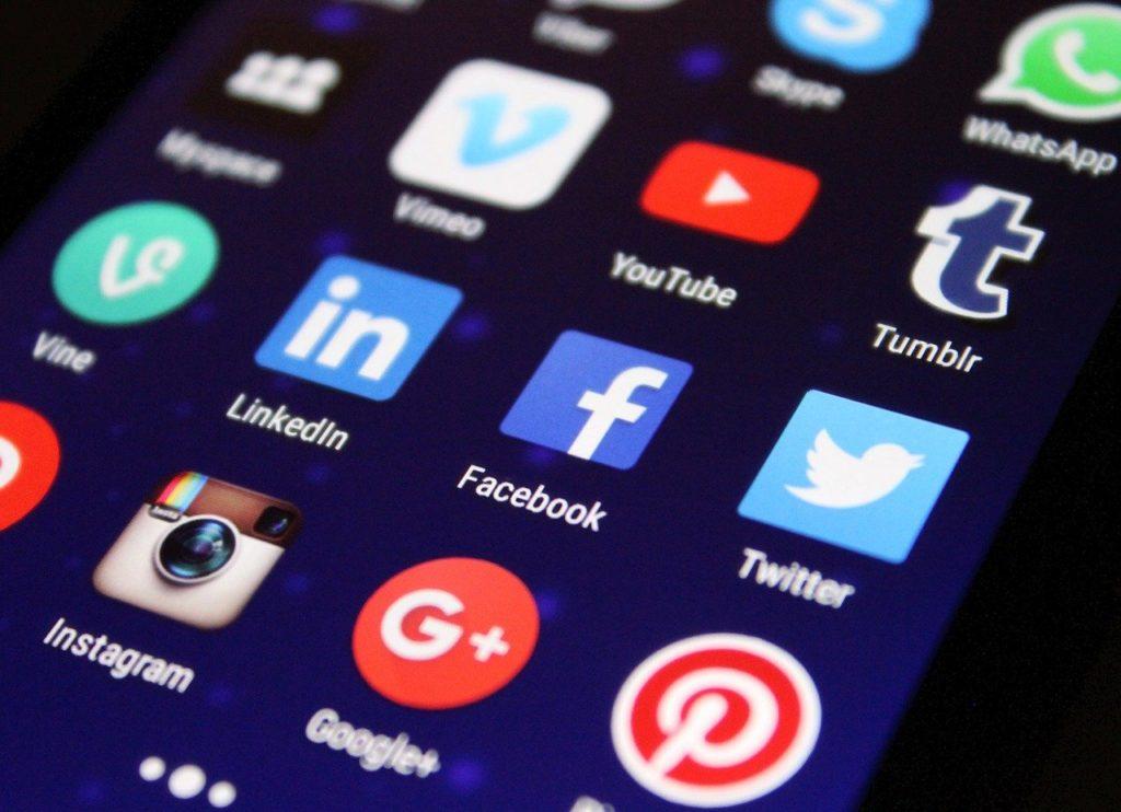 Jak szybko wypromować Instagrama, Facebooka i inne Social Media