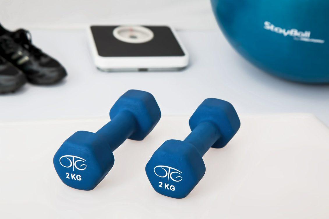7 sposobów, aby ćwiczenia w pomieszczeniu były przyjemniejsze
